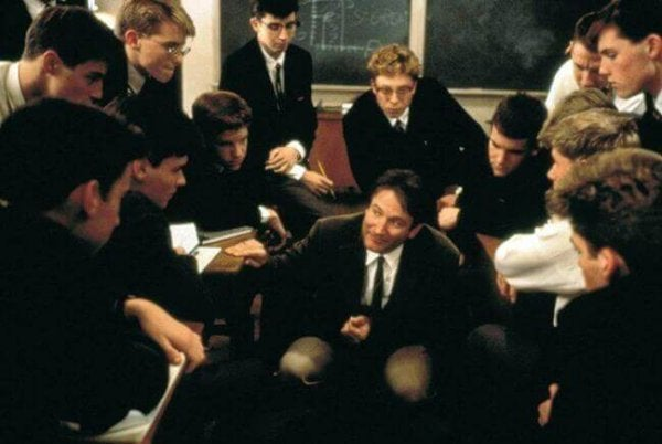 Robin Williams als goede leraar in Dead Poets Society