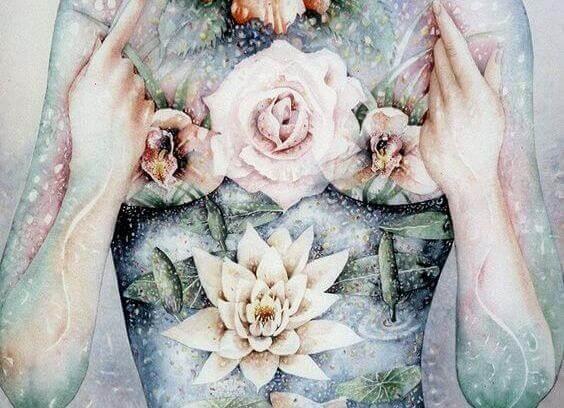 Vrouw met een jurk van bloemen