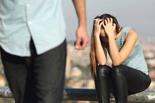 De chaos van jaloezie in een relatie