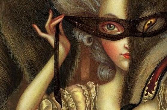 Vrouw die een masker bij zichzelf om doet als vorm van chantage