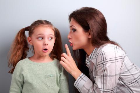 Moeder roddelt tegen dochter over vader: ouderverstoting