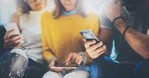 Maken smartphones ons dommer?
