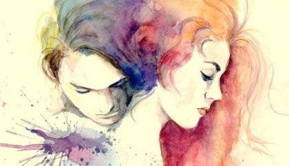 Over de liefde: verliefd stel dat knuffelt