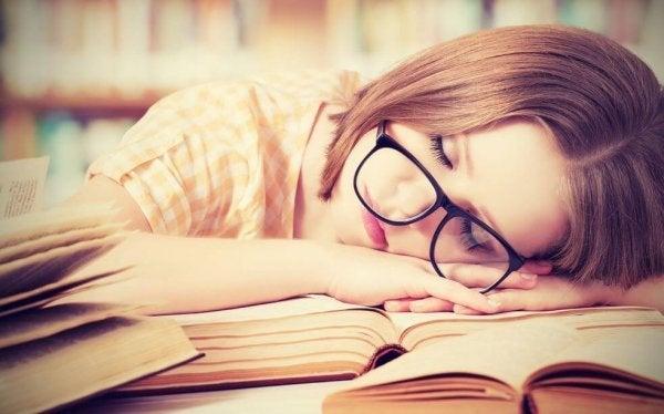 Vrouw met slaapgebrek