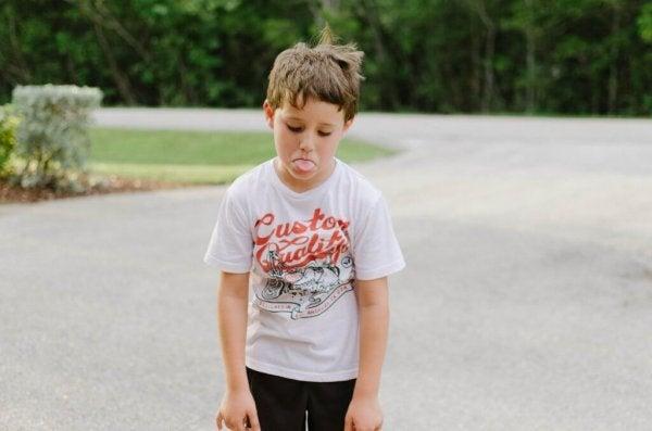 Jongetje met woedeaanval