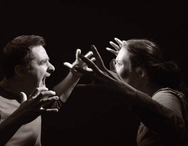 Wat is hetero-agressief gedrag?
