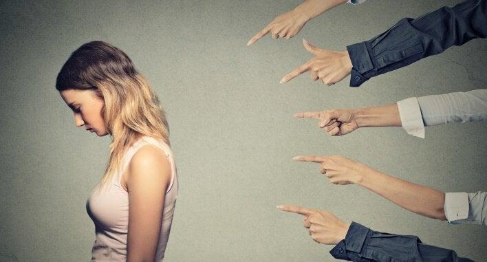 7 manipulatietechnieken waarvan je vaak niet bewust bent