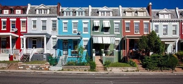 Nette huizen die geen gebroken ramen hebben, en waar de broken windows theory ook niet op van toepassing is