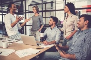 Mensen die efficiënt werken als team