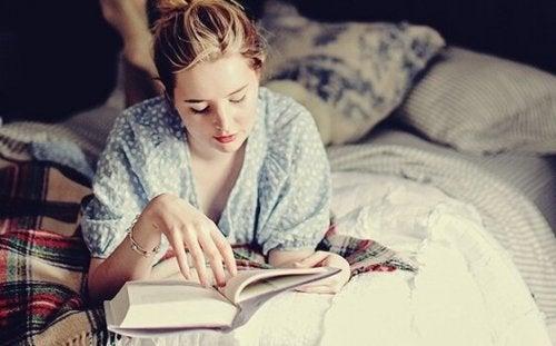 Lezen voor het slapengaan: je hersenen vinden deze gewoonte geweldig