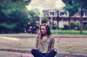 Meisje onder een wolk