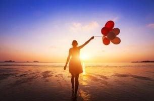 Vrouw met ballonnen