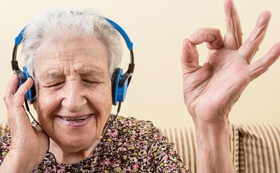 Muziek en de ziekte van Alzheimer: emoties aanwakkeren