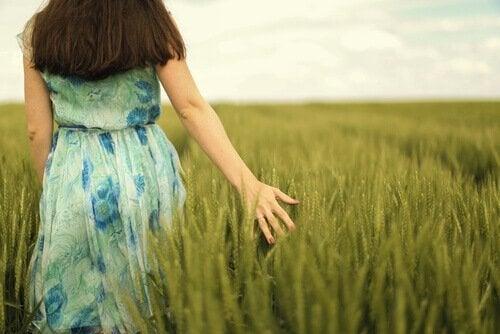 Vrouw op het platteland