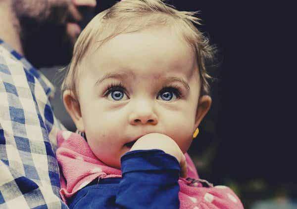 Weet jij wat baby's leren tussen de vier en zes maanden?