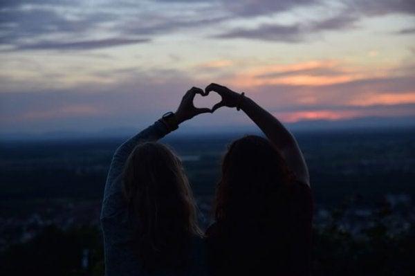 Liefde komt en gaat maar ware vriendschap is voor altijd