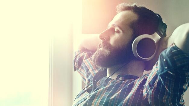 Luisteren naar ontspannende muziek