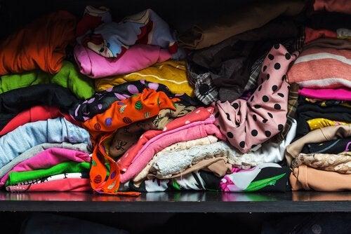 Rommelige kleren