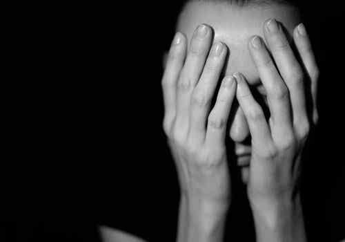 Waarom is het zo moeilijk om uit gewelddadige situaties weg te komen?