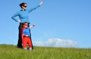 Supermoeders proberen hun kinderen altijd te beschermen