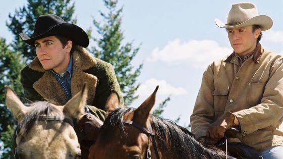 De hoofdpersonen op hun paarden