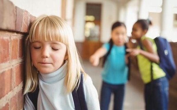 5 kenmerken van een gepest kind
