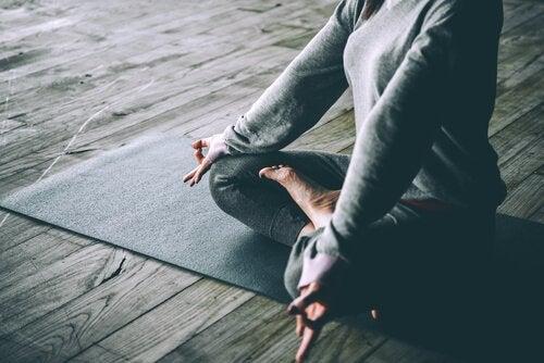 De relatie tussen yoga en depressie