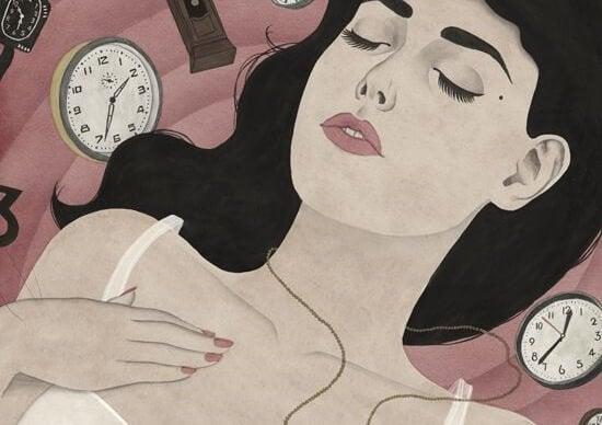 Vrouw omringd door klokken