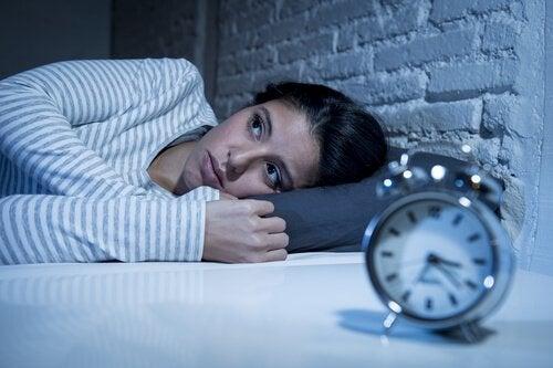 Een vrouw die niet kan slapen