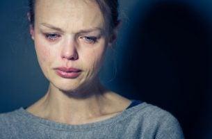 Vrouw die moet leven met borderline-persoonlijkheidsstoornis
