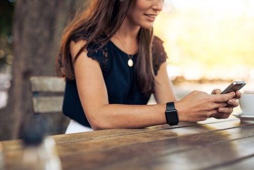 Hebben nieuwe communicatiemiddelen een negatieve invloed op onze relaties?
