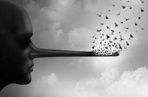 Iemand met een lange neus door het liegen