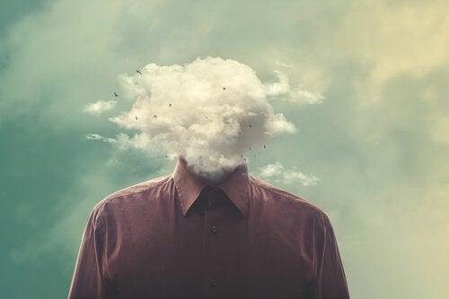 Man met wolken in plaats van een hoofd, die zichzelf weer vrolijk moet maken