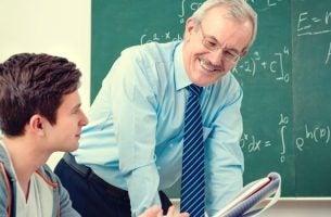 Een van die docenten die werkelijk iets uitlegt aan zijn studenten