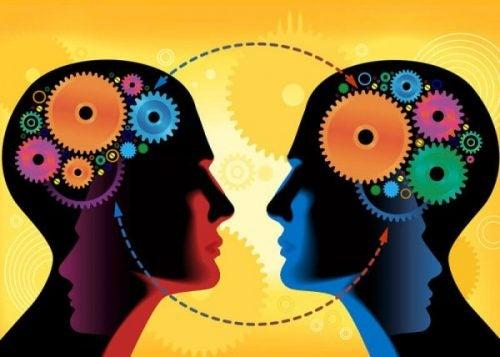 Sociaal leren: de interessante theorie van Alberto Bandura