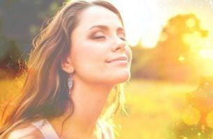 Een mooie vrouw. maar moedige mensen zijn de mooiste mensen