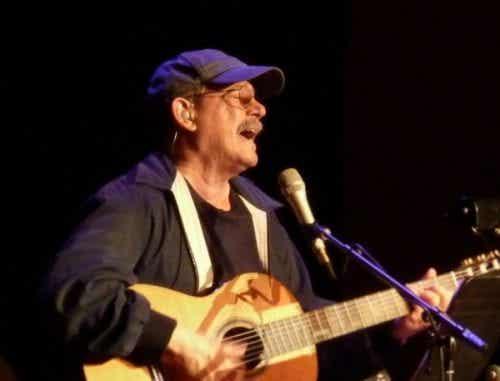 Songteksten van Silvio Rodríguez om over na te denken