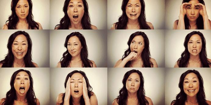Vrouw die verschillende gezichtsuitdrukkingen uitbeeld