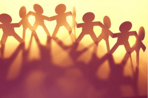 De gelijkenissen en verschillen tussen psychologie en sociologie