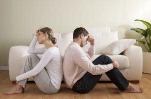 Drie factoren die romantische liefde vernietigen