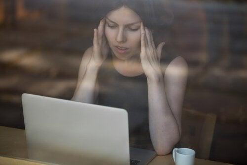 Cyberpesten vaststellen en aanpakken met de volgende 5 tips