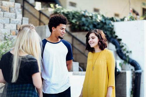 De reusachtige uitdagingen van tieners tijdens de adolescentie