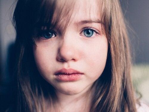 Verdriet bij kinderen: hoe kunnen we hen helpen ermee om te gaan?