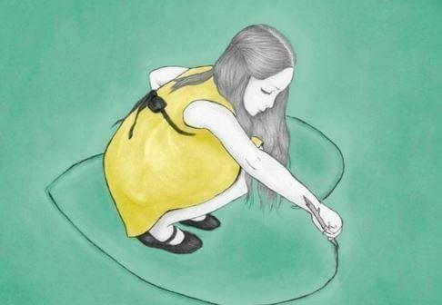 Meisje tekent een hart