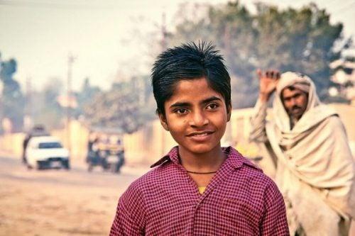 Jongen en man in India