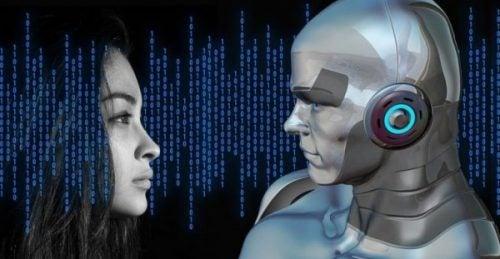 Gezicht van een vrouw en een robot
