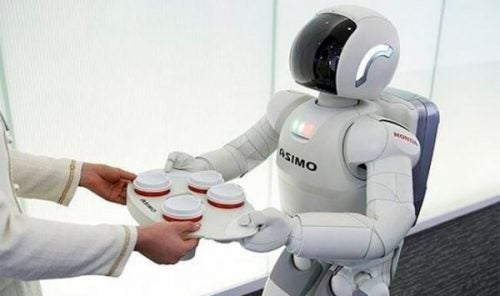 Robot die drankjes serveert