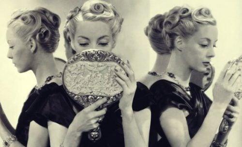 Narcistische persoonlijkheidsstoornis: 5 oorzaken