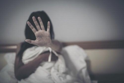 Vrouw zegt nee tegen seksuele dwang