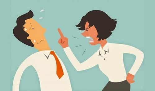 Een agressief gesprek vermijden door 5 technieken te gebruiken